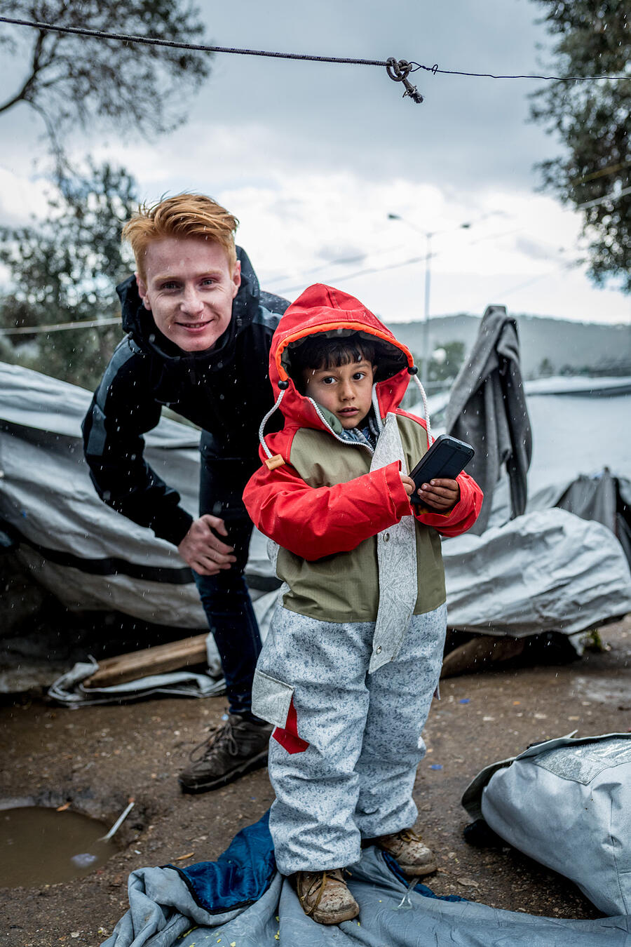Hand out Sheltersuits on Lesbos