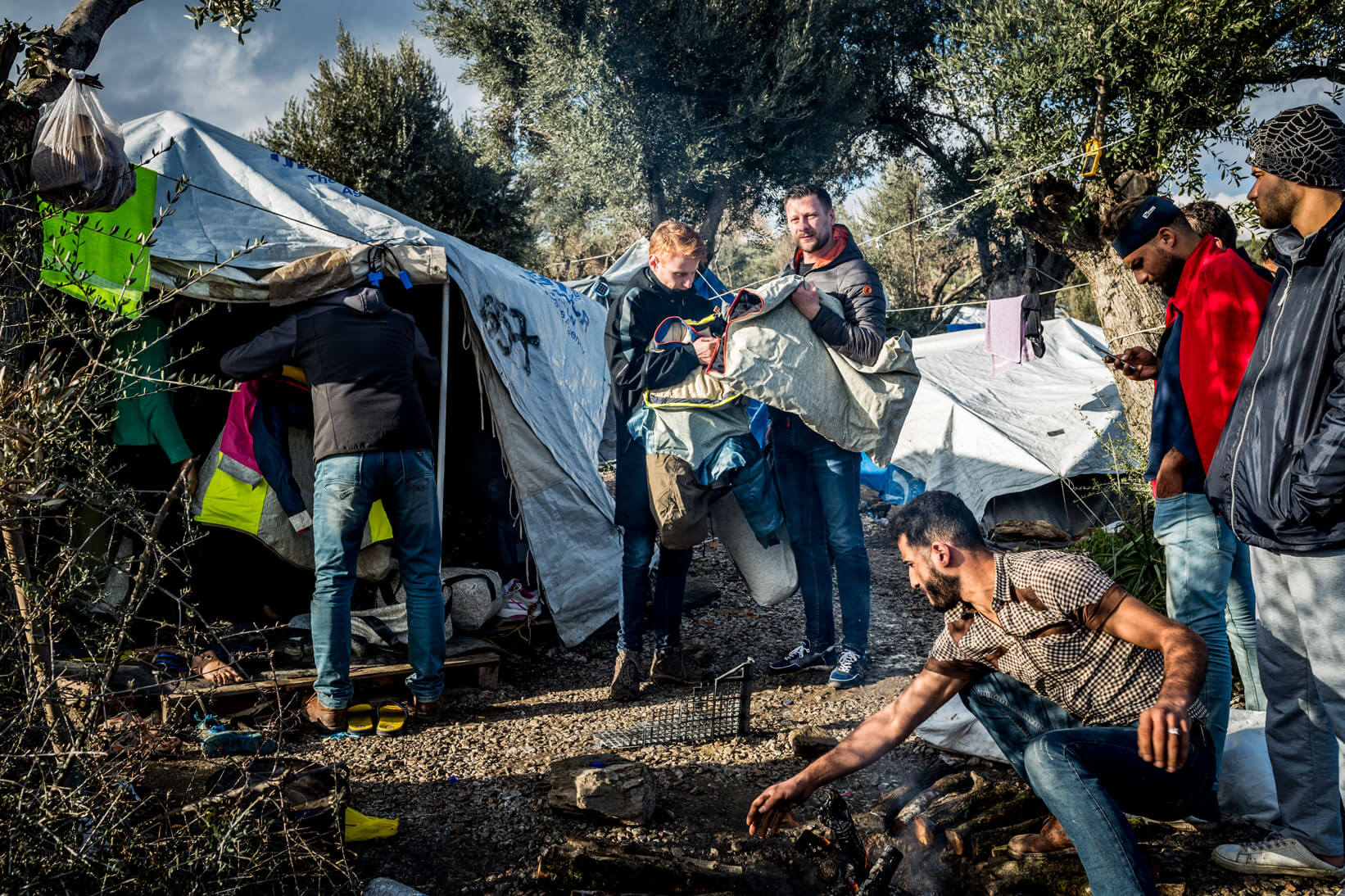 Corona: vluchtelingen Moria vrezen een humanitaire ramp | Sheltersuit